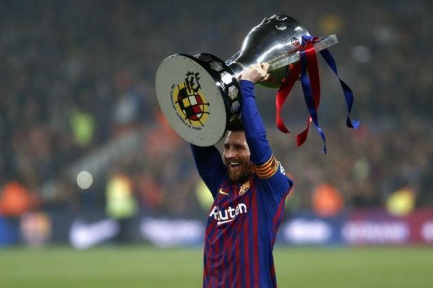 Na carreira, Messi já acumula 34 títulos (3 Copa do Mundo de Clubes da FIFA, 4 Liga dos Campeões da UEFA, 3 Supercopas da UEFA, 10 La Ligas, 6 Copas do Rei, 8 Supercopas da Espanha).
