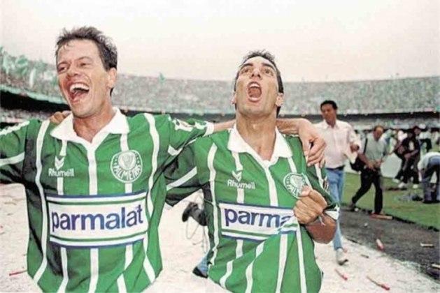 Na década de 90, a parceria entre Palmeiras e Parmalat marcou época e se tornou símbolo do investimento milionário em clubes brasileiros. A empresa começou a patrocinar o Alviverde em 1992, e o acordo durou nove temporadas, rendendo onze títulos ao Palmeiras.