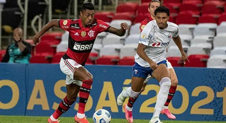 Flamengo e Fortaleza decidirão seus duelos contra Athletico-PR e Atlético-MG, respectivamente