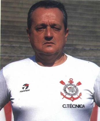 Na época da Democracia Corintiana, o treiandor era Jorge Vieira, que venceu dois paulistas com aquele time lendário. Os títulos foram vencidos nos anos de 1979 e 1983.