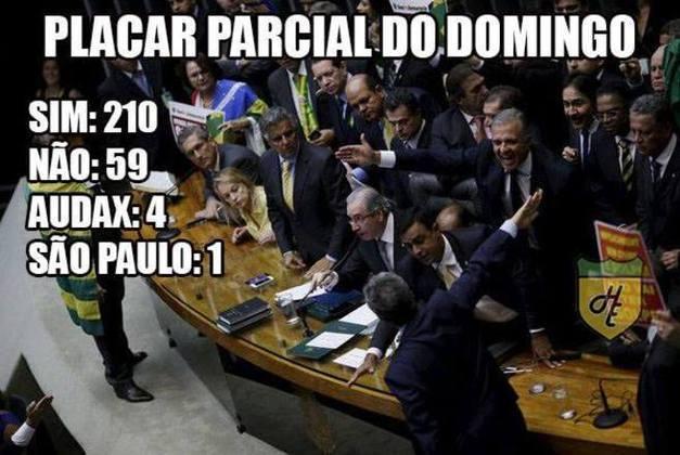 Na época, estava sendo votado o impeachment da ex-presidente Dilma Rousseff