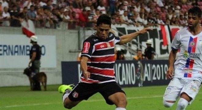 Na expectativa por uma vaga entre os principais do time Tricolor, Augusto Potiguar espera repetir as boas atuações da Copa PE deste ano nas competições que o Santa disputará na próxima temporada