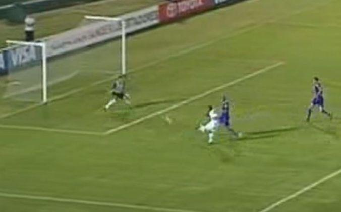 Na fase de grupos da Libertadores de 2009, o São Paulo enfrentou o Defensor Sporting. Na partida de ida, fora de casa, o Tricolor venceu com gol de Borges.