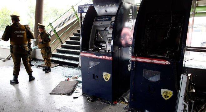 O anúncio do aumento dos preços do metrô se juntou ao aumento de outros custos