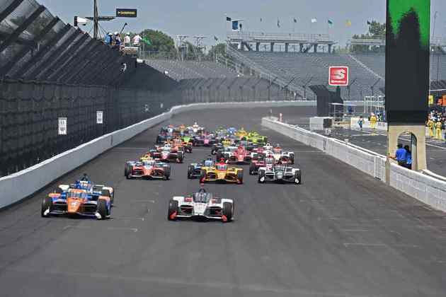 Na largada da corrida, Scott Dixon passou Marco Andretti