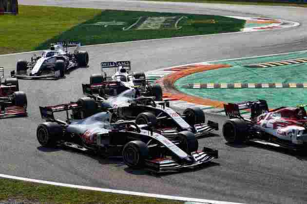 Na largada, Grosjean ganhou posições, mas terminou apenas em 12º