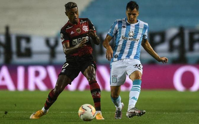 Na Libertadores, outra queda precoce: nos pênaltis, após empates em 1 a 1, o Rubro-Negro caiu nas oitavas da Copa para o Racing (ARG).