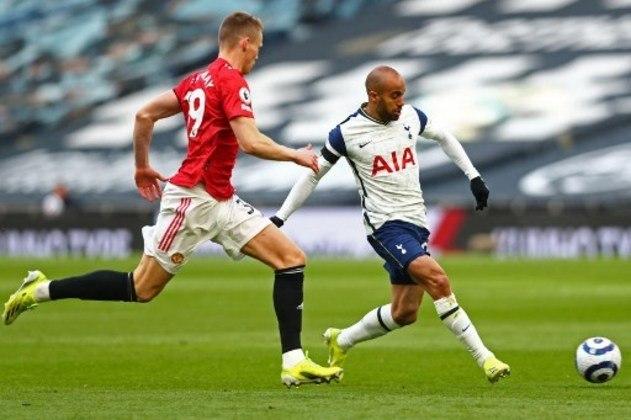NA MÉDIA - Lucas Moura deu assistência para o gol de Son na derrota do Tottenham para os Diabos Vermelhos por 3 a 1