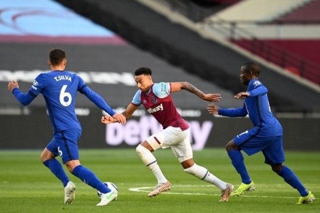 NA MÉDIA - Thiago Silva novamente se mostrou consistente e ajudou o Chelsea a parar Lingard e o West Ham na Premier League