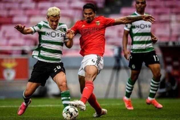 NA MÉDIA - Veríssimo marcou seu primeiro gol com a camisa do Benfica, mas teve dificuldades para parar Pedro Gonçalves e cometeu um pênalti