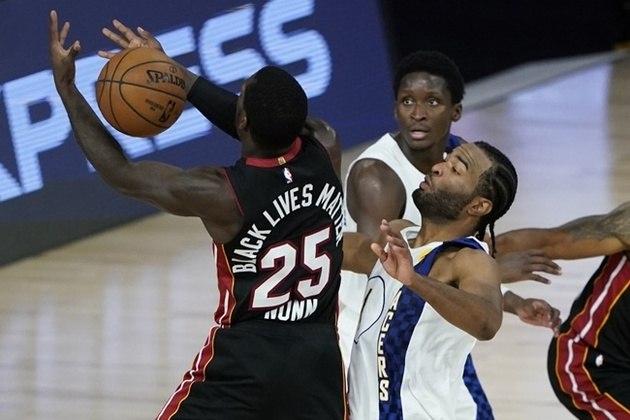 """Na NBA, a """"bolha"""" criada no complexo da Disney, na Flórida, não permite, obviamente, torcedores. Por lá, os jogadores, comissões técnicas e demais profissionais estão autorizados a circular"""