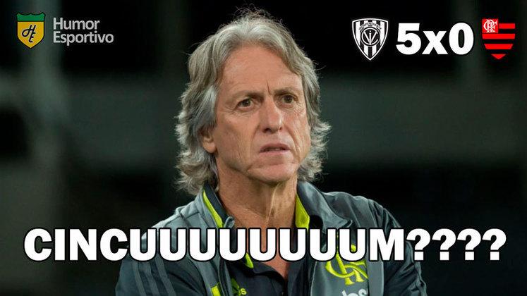 Na noite desta quinta-feira (17) o Flamengo foi ao Equador e sofreu a sua maior goleada na história da Libertadores. Com o revés de 5 a 0 para o Independiente del Valle, os rubro-negros tiveram que aturar os memes dos rivais, que relembraram entrevista de JOrge Jesus (cincum?) e fizeram trocadilhos com marca de suco. Confira nos memes!