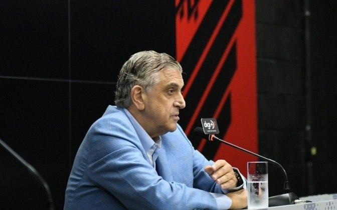 Na nona posição está o Athletico, que desde 2003, faturou R$ 525 milhões em valores nominais com transferências. Os valores corrigidos pela inflação giram em torno de R$ 790 milhões.