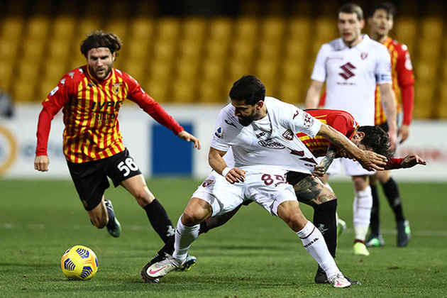 Na parte de baixo da tabela, Torino e Benevento brigam para escapar da última vaga. Crotone e Parma já estão rebaixados.