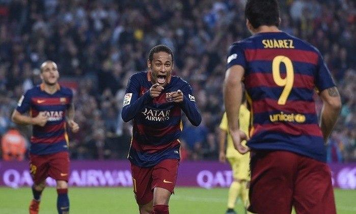 Na partida contra o Villarreal, em 8 de novembro de 2015, Neymar aplicou um chapéu no defensor e chutou forte para estufar as redes contra o Villareal. O atacante era protagonista do Barcelona, que não contava com Messi, lesionado