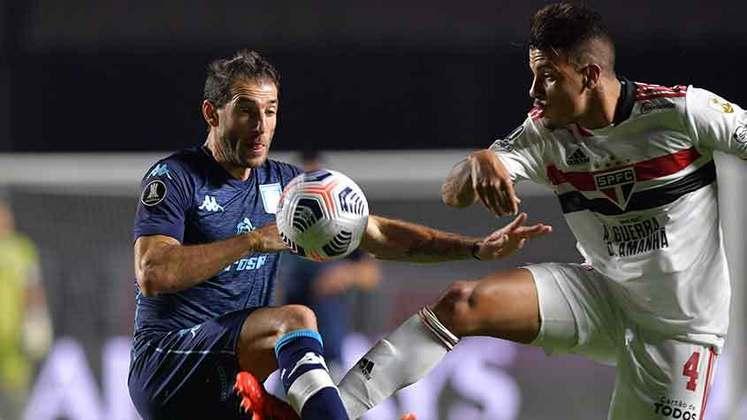 Na partida de ida, São Paulo e Racing empataram em 1 a 1 no Morumbi. Para avançar, o Tricolor precisa vencer fora de casa. Em caso de empate com gols, a decisão será nas penalidades. O placar de 0 a 0 classifica o Racing. Quem se classificar pega Palmeiras ou Universidad Católica.