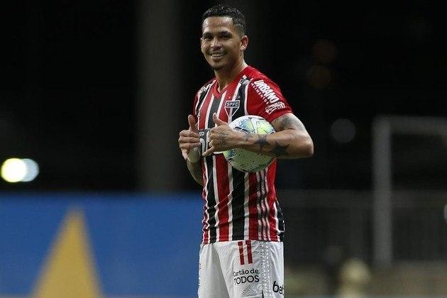 Na quinta-feira (3), às 19h, Goiás e São Paulo se enfrentam em rodada atrasada do Brasileirão 2020. O jogo acontecerá na Serrinha e a transmissão é do Premiere.