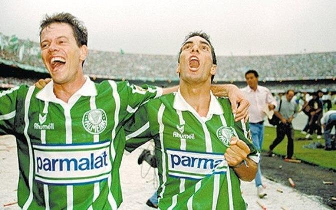 Na segunda final daquele Brasileirão, Rivaldo fez o gol de empate por 1 a 1 e deu o título para o Palmeiras em cima do Corinthians.