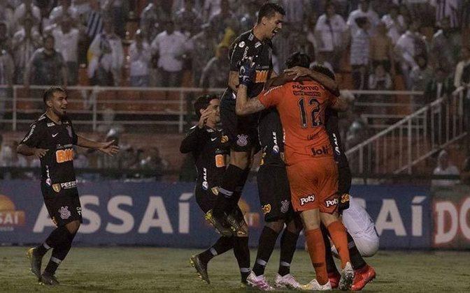 Na semifinal do Paulistão de 2019, espalmou a bola no pé de Derlis González e sofreu o gol em seguida, complicando a situação corinthiana na competição, que tinha um time muito questionável naquele ano.