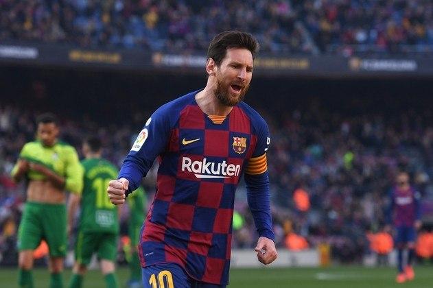 Na terceira colocação está o argentino Lionel Messi. O craque do Barcelona faturou aproximadamente R$ 566,4 milhões, divididos entre salários, patrocínios e bônus. Vale destacar que na lista de 2019, ele ficou na primeira colocação.