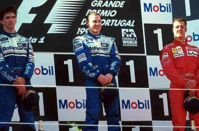 Na última edição do GP no Estoril, vitória de Jacques Villeneuve, que ultrapassou Michael Schumacher por fora em uma bela manobra