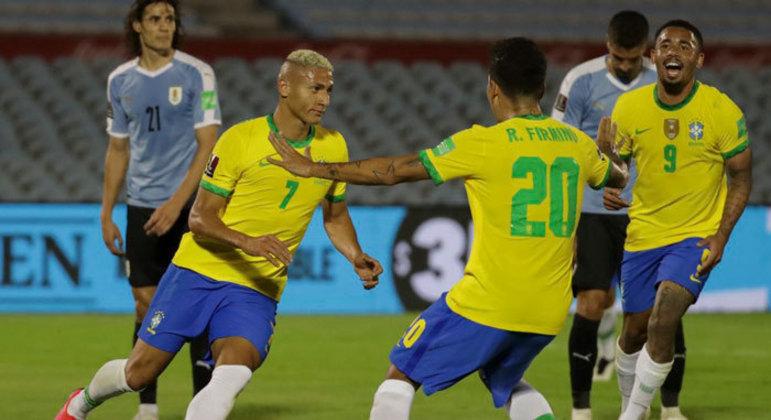 Brasil venceu o Uruguai, fora de casa, em novembro do ano passado pelas eliminatórias
