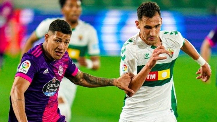 Na zona da confusão, Huesca, Elche e Real Valladolid brigam por uma vaga na primeira divisão, enquanto dois cairão. O Eibar já está rebaixado.