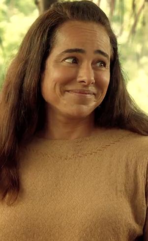 Naamá (adulta) (Cassia Linhares): Esposa de Noé e filha de Lameque. Deixa o pai e a cidade para se casar com Noé.