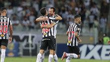 Nacho brilha, Atlético-MG vira sobre o Santos e segue disparado em 1º