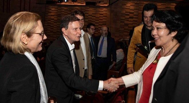 Marcelo Crivella cumprimentou os convidados presentes