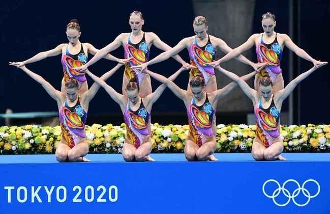 NADO ARTÍSITICO - O Comitê Olímpico Russo conquistou a medalha de ouro no nado artístico. As russas superaram as chinesas, que ficaram com a prata. A Ucrânia completou o pódio.