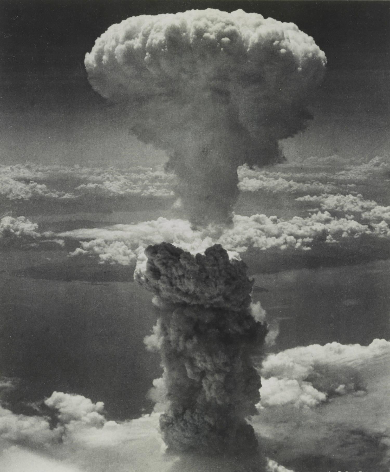Foto mostra tamanho da nuvem formada por bomba em Nagasaki