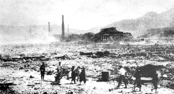 Nagasaki após a bomba: cenário encontrado por Tanaka ao sair a procura de parentes