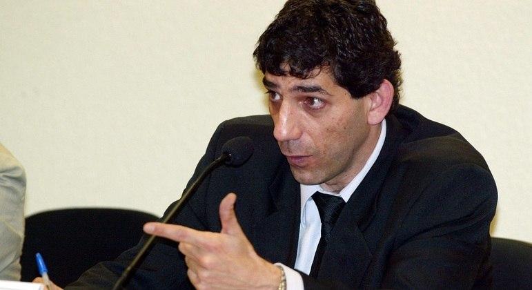 Nagib Fayad em depoimento na CPMI dos Bingos, no Senado, em Brasília (DF) em 2005