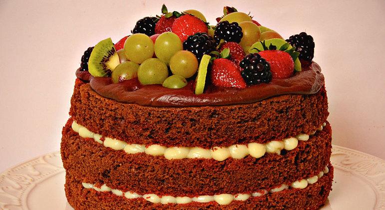 Naked cake tropical