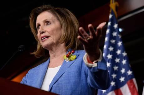 Presidente da Câmara é contra impeachment