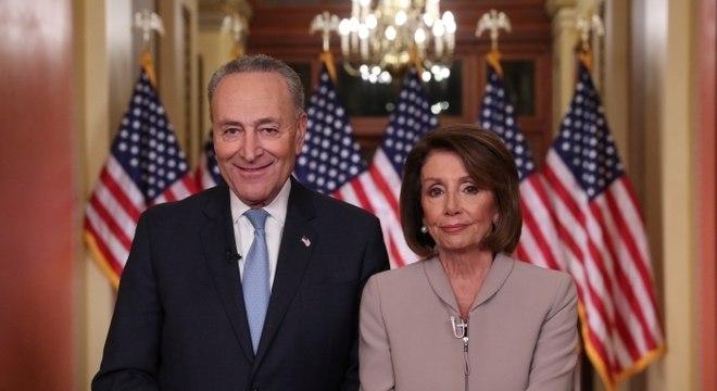 'Trump deve deixar de manter como refém o povo americano', disse Nancy Pelosi