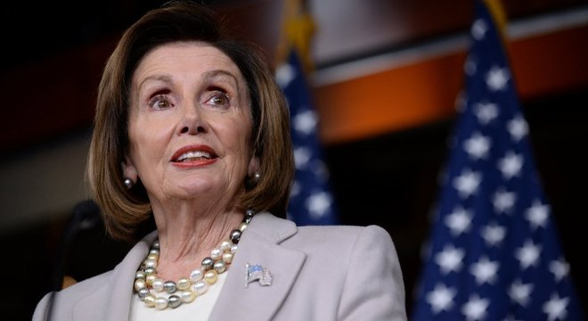 Nancy Pelosi, presidente da Câmara, foi quem deu início ao processo contra Trump