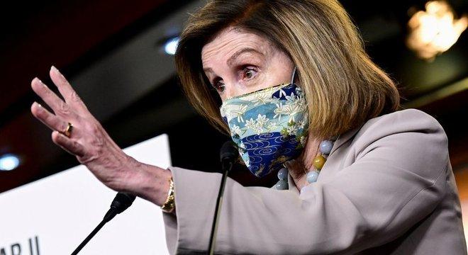 presidente da Câmara, Nancy Pelosi, disse que o dinheiro é necessário para salvar vidas