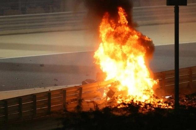 Não foi só Romain Grosjean que escapou da morte em um acidente impressionante na Fórmula 1. Relembre outros casos marcantes nesta galeria
