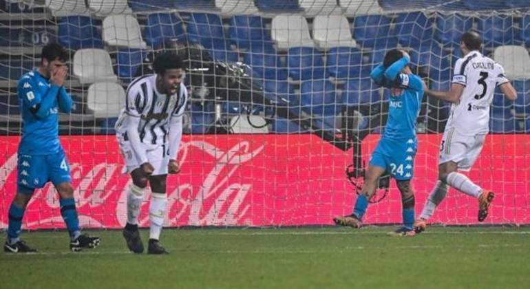 Penal perdido, desespero no Napoli, e a vibração de McKennie, da Juventus