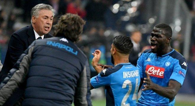 Napoli, a celebração dos 3 X 2 em Salzburgo