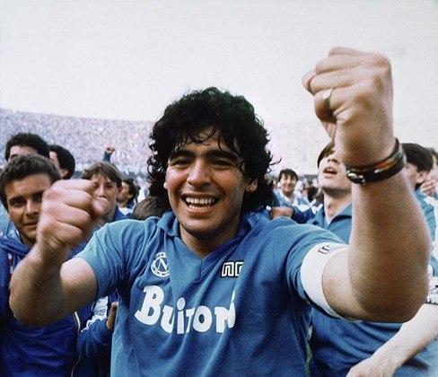 NAPOLI - Fechando o ranking, o Napoli é outro que registra apenas dois títulos italianos em sua história - 1986-87, 1989-90.