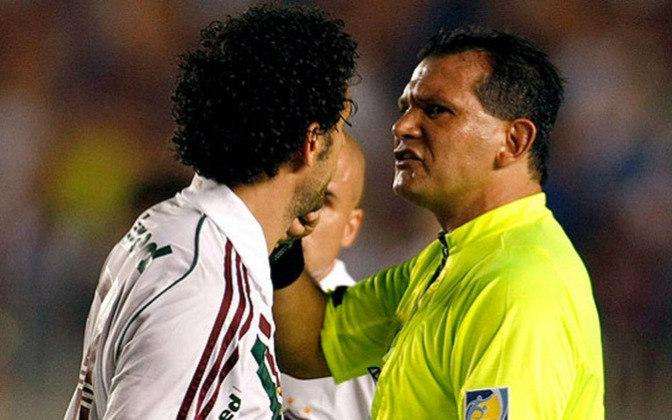 Naquele mesmo 2009, o Flu foi à final da Copa Sul-Americana contra a LDU (EQU). No primeiro jogo, goleada para os equatorianos. No segundo, o Tricolor estava bem, Fred fez um gol, mas foi expulso, prejudicando a equipe que terminaria como vice-campeã, apesar da vitória no Maracanã.