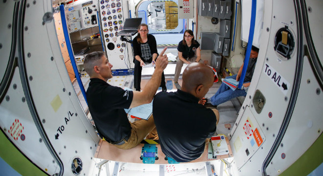Astronautas na Estação Espacial Internacional