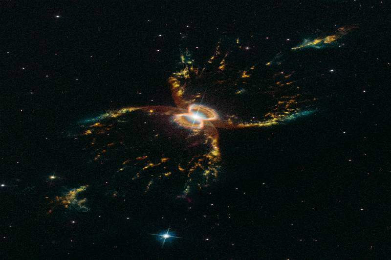 Hubble comemora 29 anos com imagem inédita
