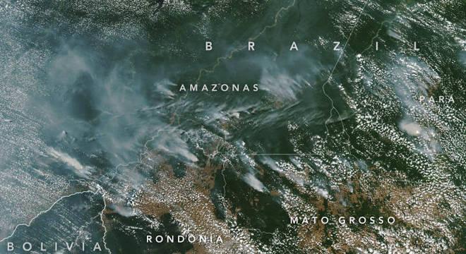 Imagens do satélite da Nasa mostra as queimadas na Amazônia