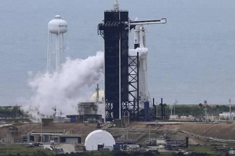 Nave levará dois astronautas à Estação Espacial