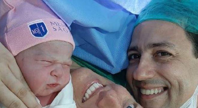 Nascimento da pequena ocorreu na noite desta segunda-feira, às 19h, no hospital Memorial São José