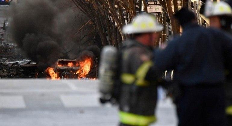 Forte explosão atingiu centro de Nashville, no estado de Tennessee, nos EUA